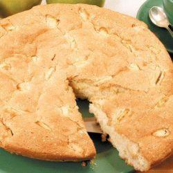 Яблучний пиріг в мультиварці: сім простих покрокових рецептів