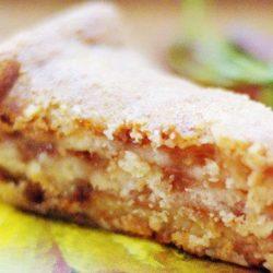 Яблучний пиріг з манкою - пять оригінальних покрокових рецептів