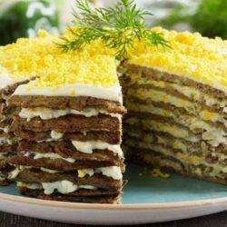 Як швидко приготувати смачний печінковий торт з курячої печінки: пять простих покрокових рецептів