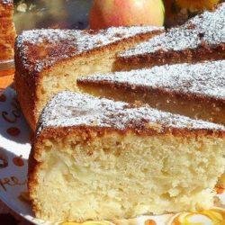 Манник з яблуками: пять простих покрокових рецептів