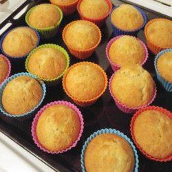 Як швидко приготувати смачні кекси в силіконових формочках: десять простих покрокових рецептів