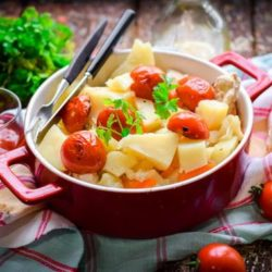 Курка з картоплею і помідорами в духовці 5 простих покрокових рецептів з фото