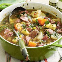 Тушкована картопля в каструлі з мясом - 10 кращих покрокових рецептів