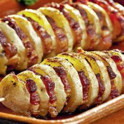 Ароматне сало на мангалі з картоплею і овочами: пять простих покрокових рецептів