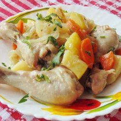 Курячі гомілки з овочами пять простих покрокових рецептів