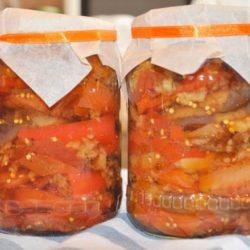 Салат на зиму з баклажанів і перцю вісім простих покрокових рецептів