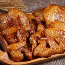 Копчені курячі крильця пять простих покрокових рецептів