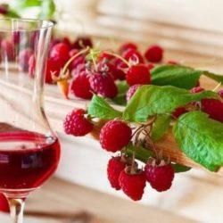 Домашнє вино з малини пять простих покрокових рецептів