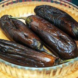 Баклажани в духовці цілком пять простих покрокових рецептів