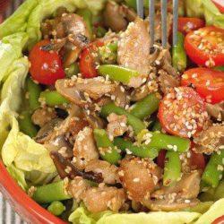 Теплий салат з куркою і квасолею прості покрокові рецепти