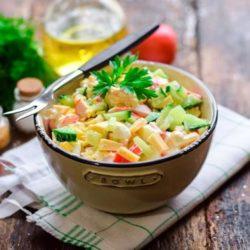 Крабовий салат з часником пять простих покрокових рецептів з фото