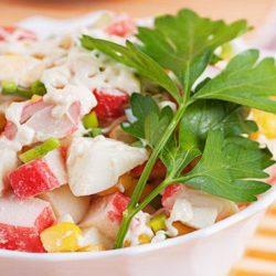 Салат з крабовими паличками девять простих покрокових рецептів
