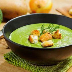Крем-суп з брокколі з вершками: шість простих покрокових рецептів