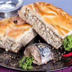 Пиріг зі скумбрією: пять простих покрокових рецептів