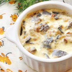Курка з грибами в горщиках в духовці - 6 варіантів покрокових рецептів