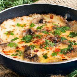 Як швидко приготувати смачну яєчню з грибами: шість простих покрокових рецептів