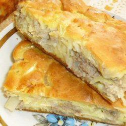 Заливний пиріг з капустою і фаршем – пять простих покрокових рецептів